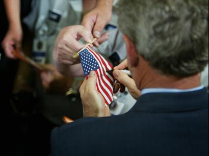 410_GEORGE_BUSH_DEFACING_AMERICAN_FLAG