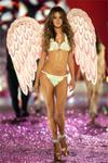 Victorias_secret_fashion_show_2005_aless_1